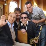 Baudo con Mirko Casadei e i due musicisti siciliani come Pippo, i Ragusa Bross
