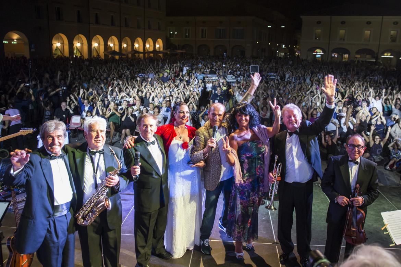 la-reunion-dellorchestra-casadei-in-piazza-a-cervia-il-22luglio2016